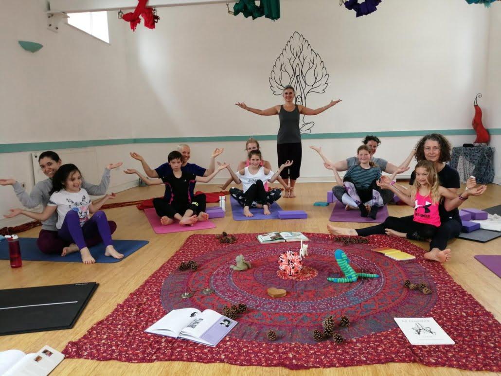Family yoga workshop_tring_yoga_studio