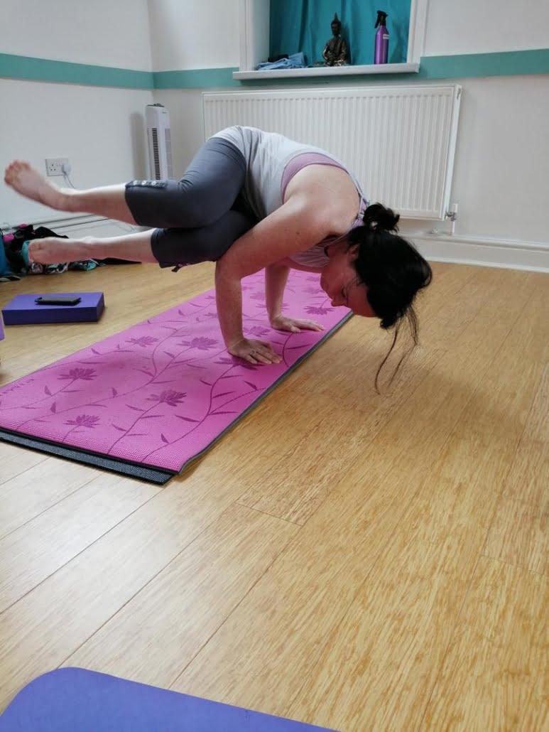 Astanga_Tring Yoga Studio Side Crow