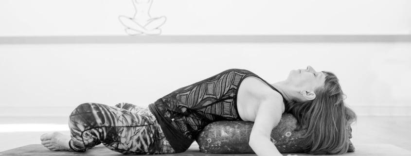 Pauline Gibbons Tring Yoga Studios_yin class