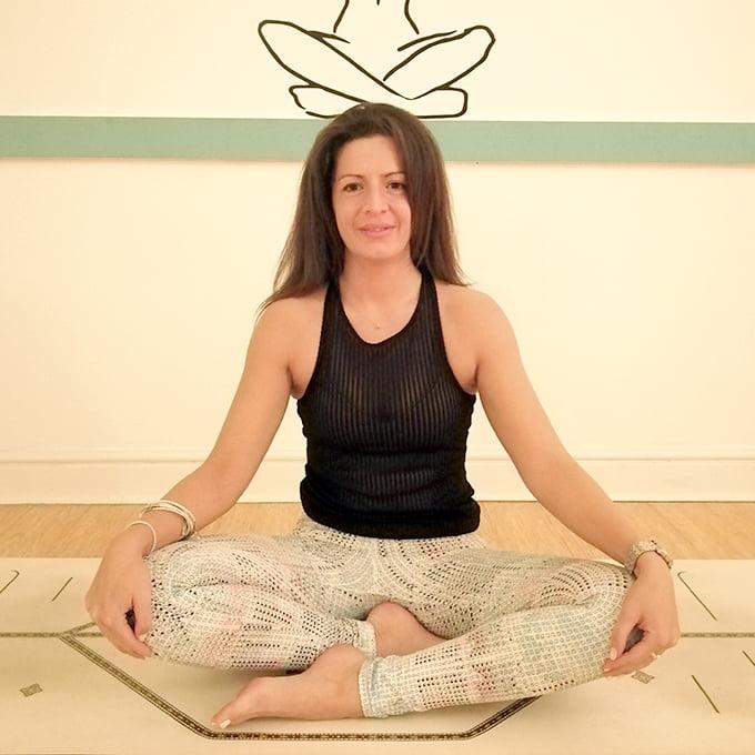 Aisling Tring Yoga Studio_Vinyasa_Power Flow_Hatha_Yin